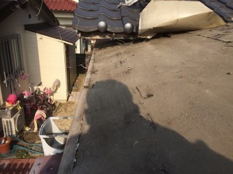 屋根材撤去写真