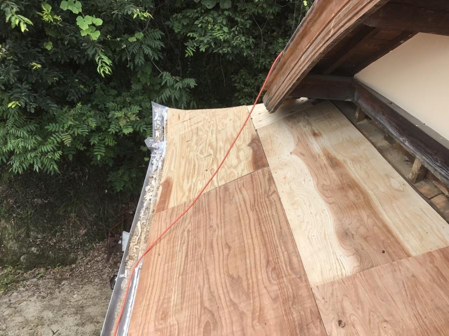 野地板設置中の屋根