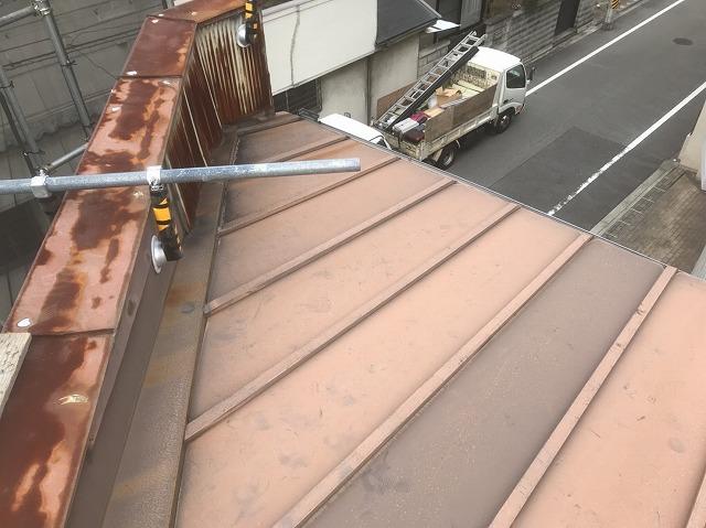 奈良市の店舗の瓦棒葺きトタン屋根