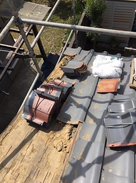 袖瓦の修繕足場設置