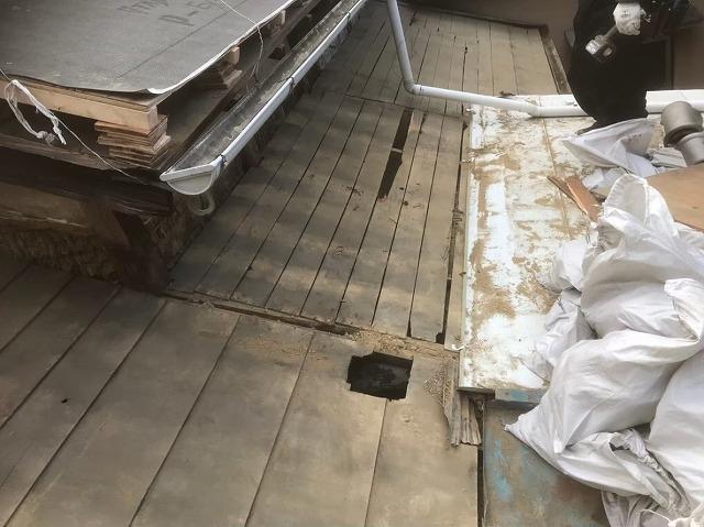 桜井市 瓦の解体作業