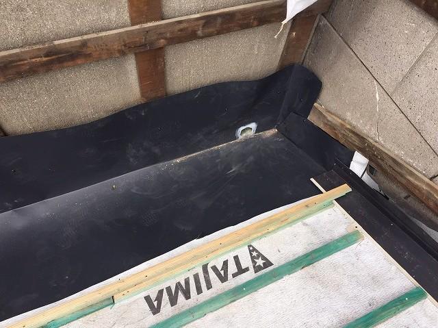 瓦の葺き直しで桟木設置