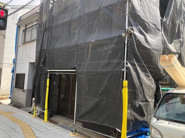 奈良市の屋根修理の足場組立