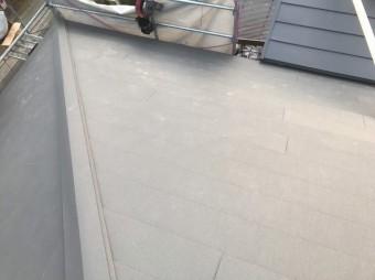 棟金板設置で葺き替え工事完了