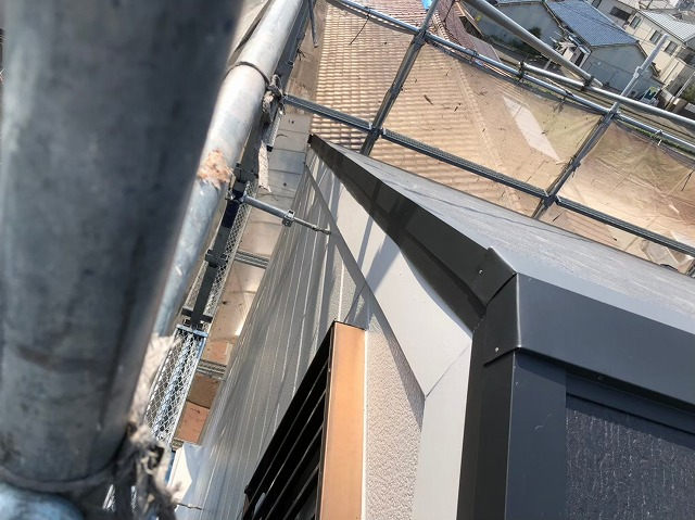 奈良市のカラーベスト屋根棟板金施工