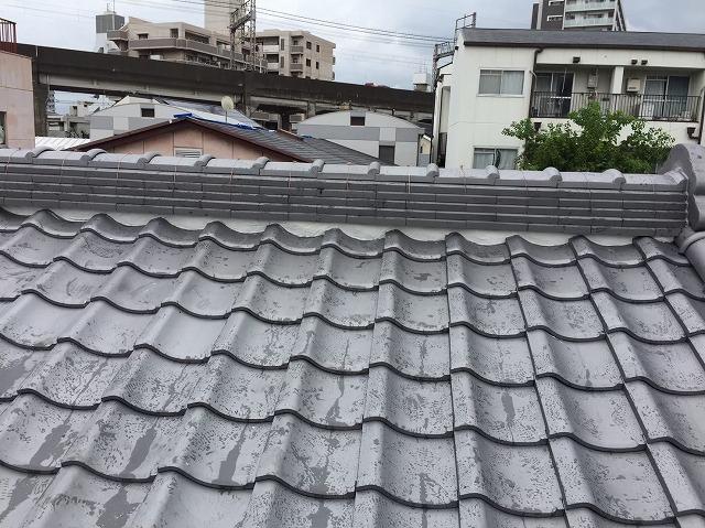 奈良市の葺き替え工事の棟瓦完成
