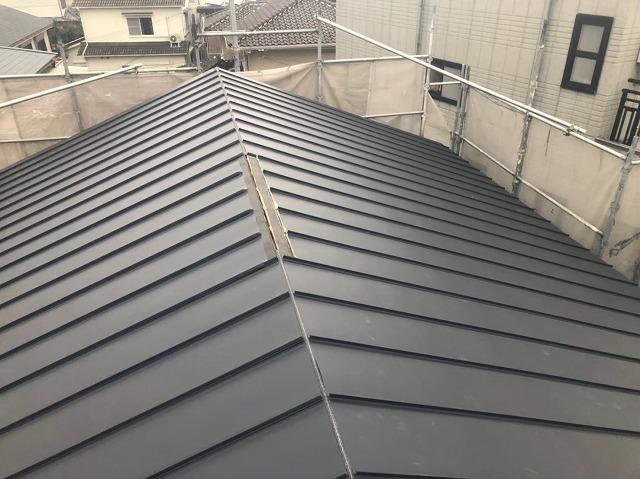 香芝市の新築住宅の屋根工事施工中の換