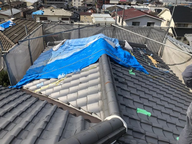台風被害の和瓦屋根