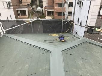 今主流のグレーのスレート屋根