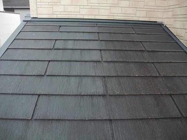 表面塗膜が劣化した屋根