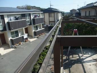 波板撤去後の物干し場の屋根