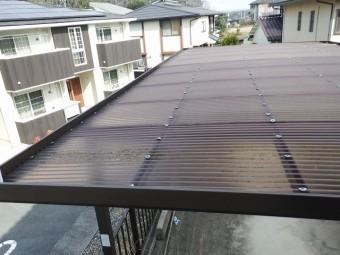 工事前の波板屋根の状態