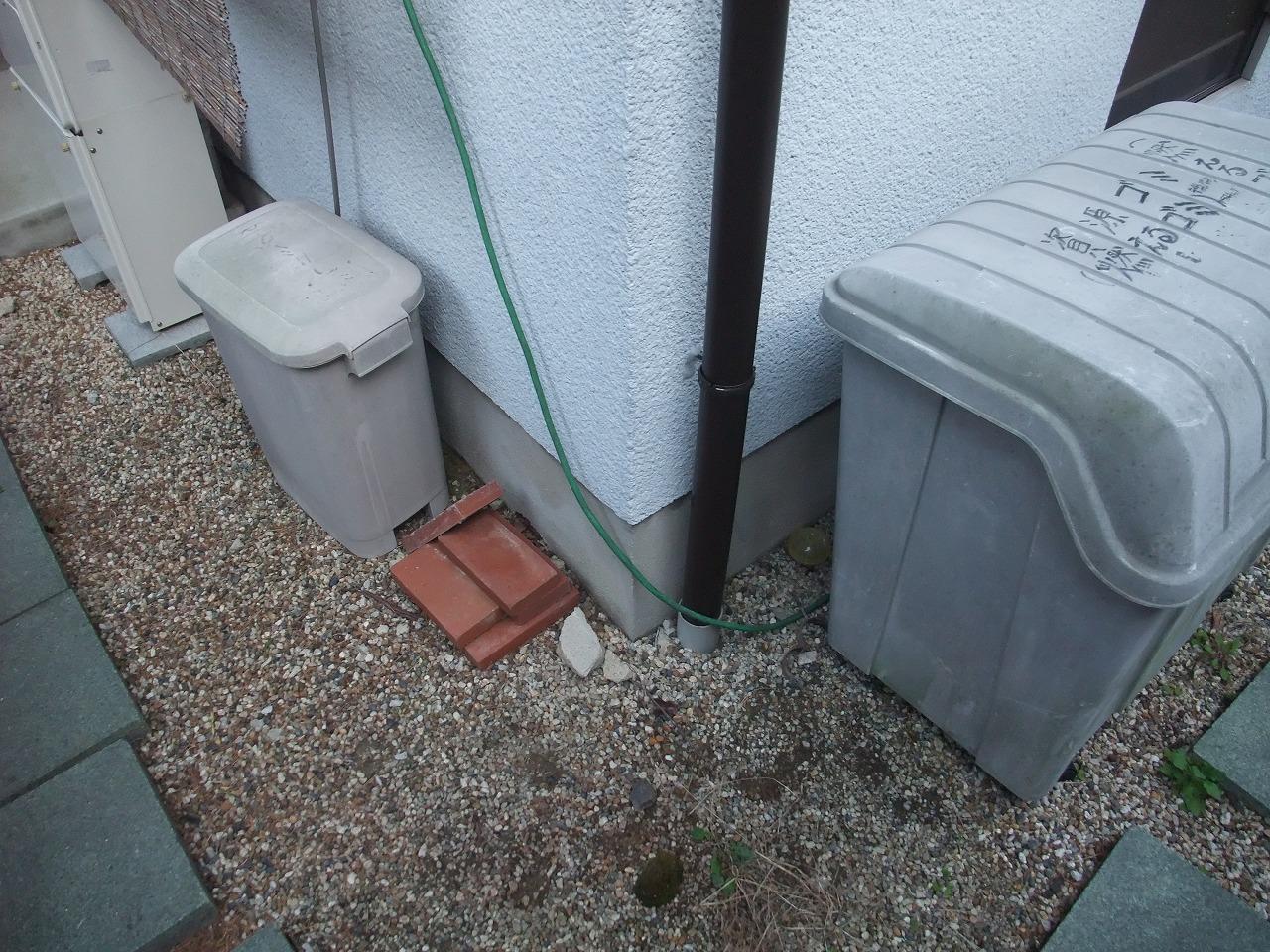 生駒市の葺き替え工事、下屋根に雨樋設置