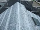 粘着ルーフィング設置後の屋根