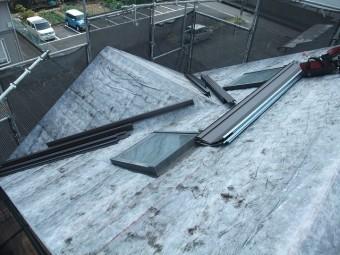 板金設置の屋根の様子