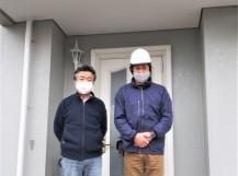 奈良市でカバー工事されたお客様とのツーショット