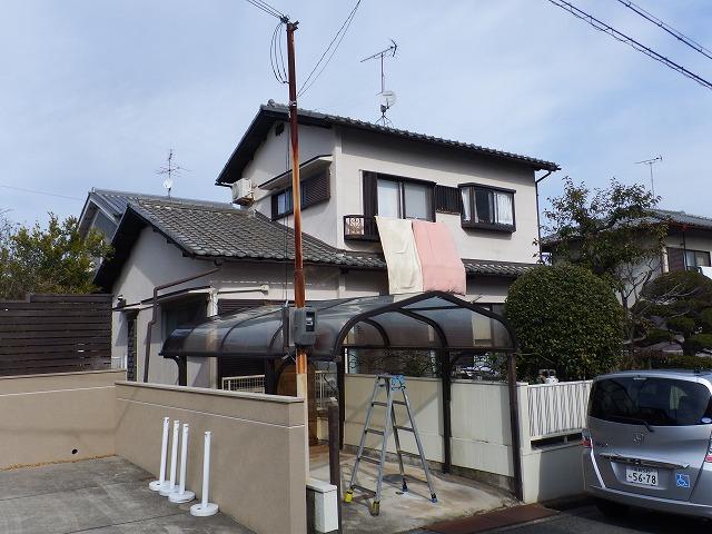 王寺町でカーポート屋根に干渉している電柱
