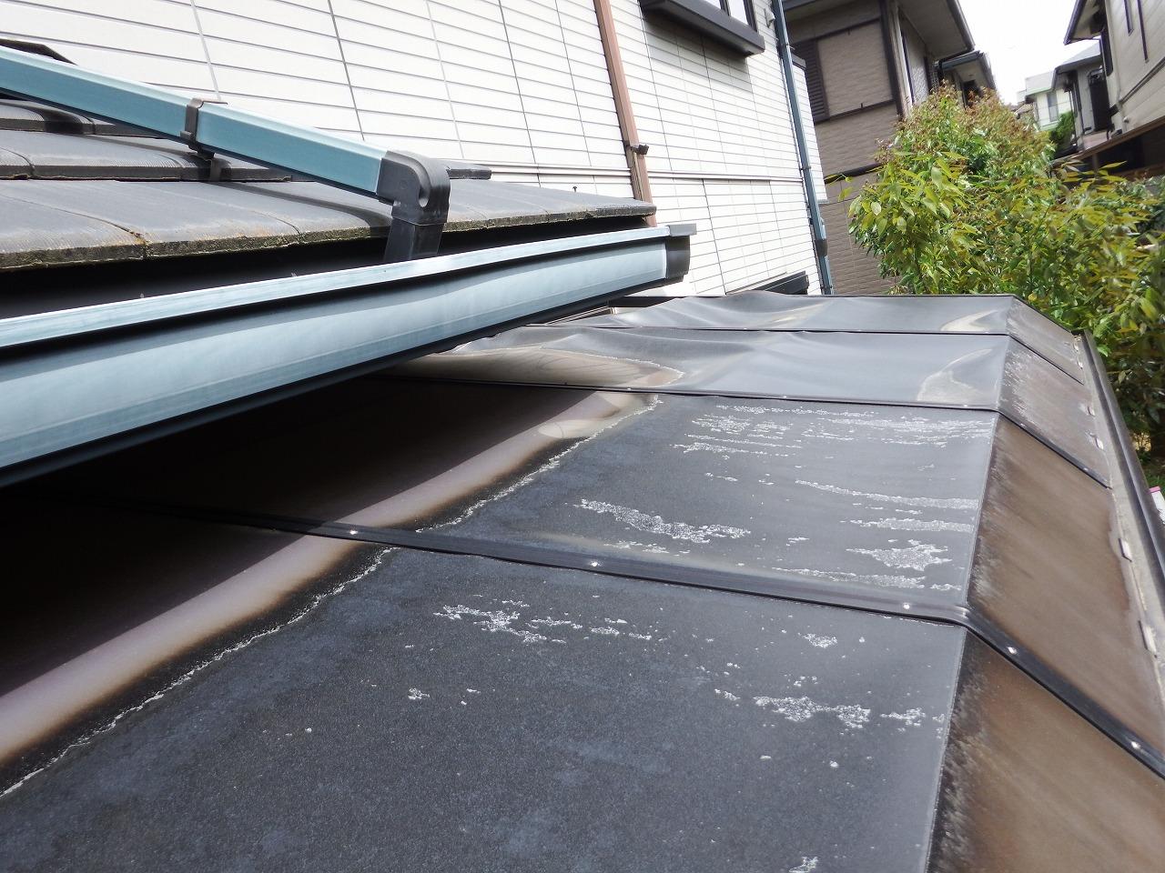 生駒市の歪んだテラス屋根の無料点検