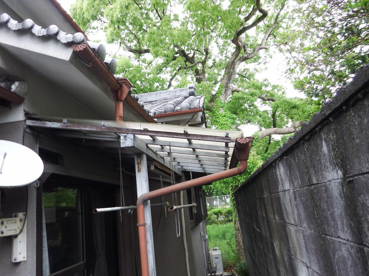 橿原市のテラス屋根の雨樋