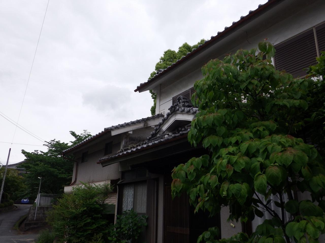 橿原市の瓦屋根の2階建住宅の現調