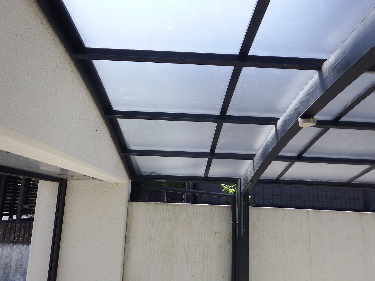 生駒市の新しいカーポート屋根完成