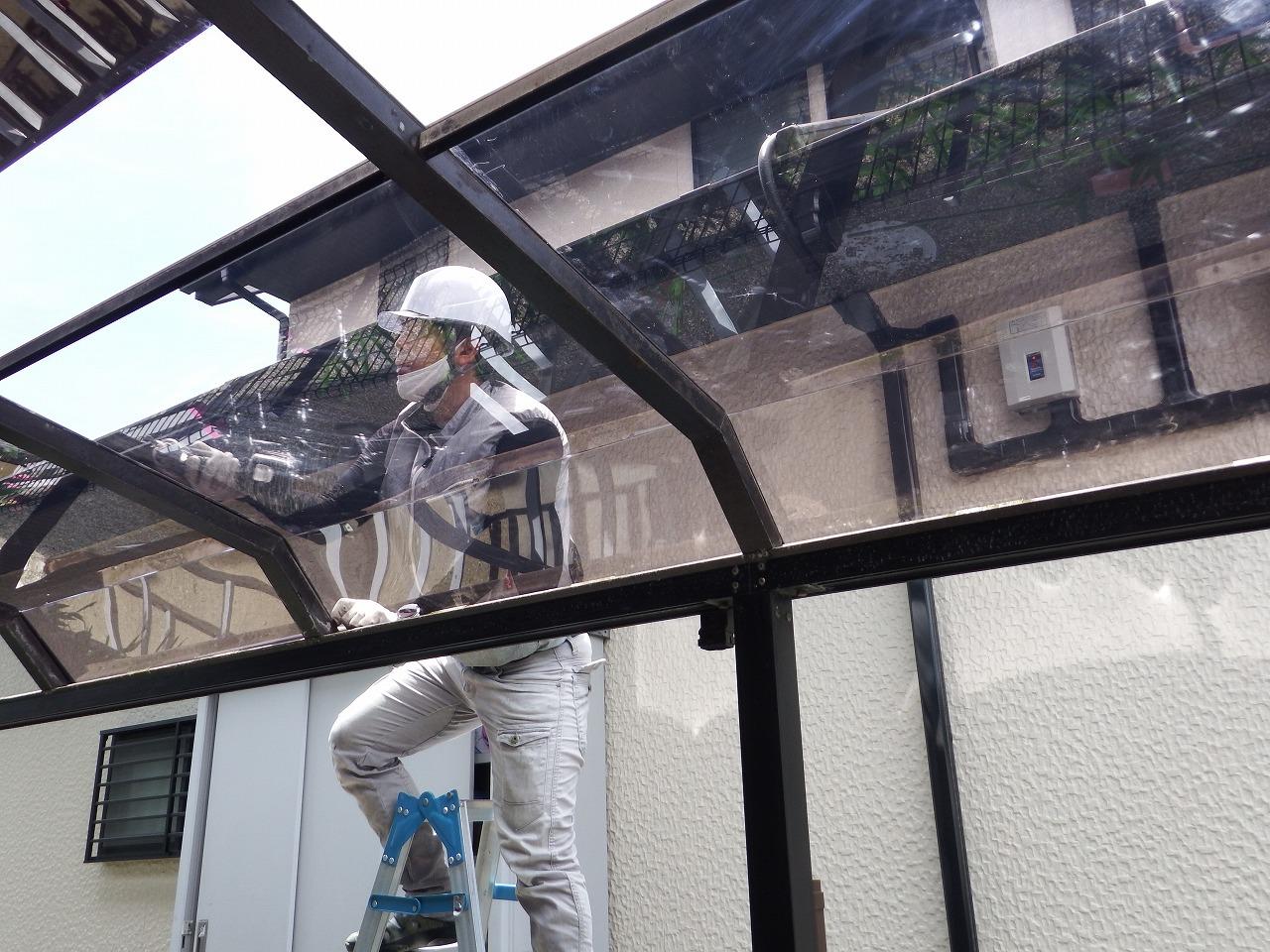 生駒市の新しいテラス屋根の設置