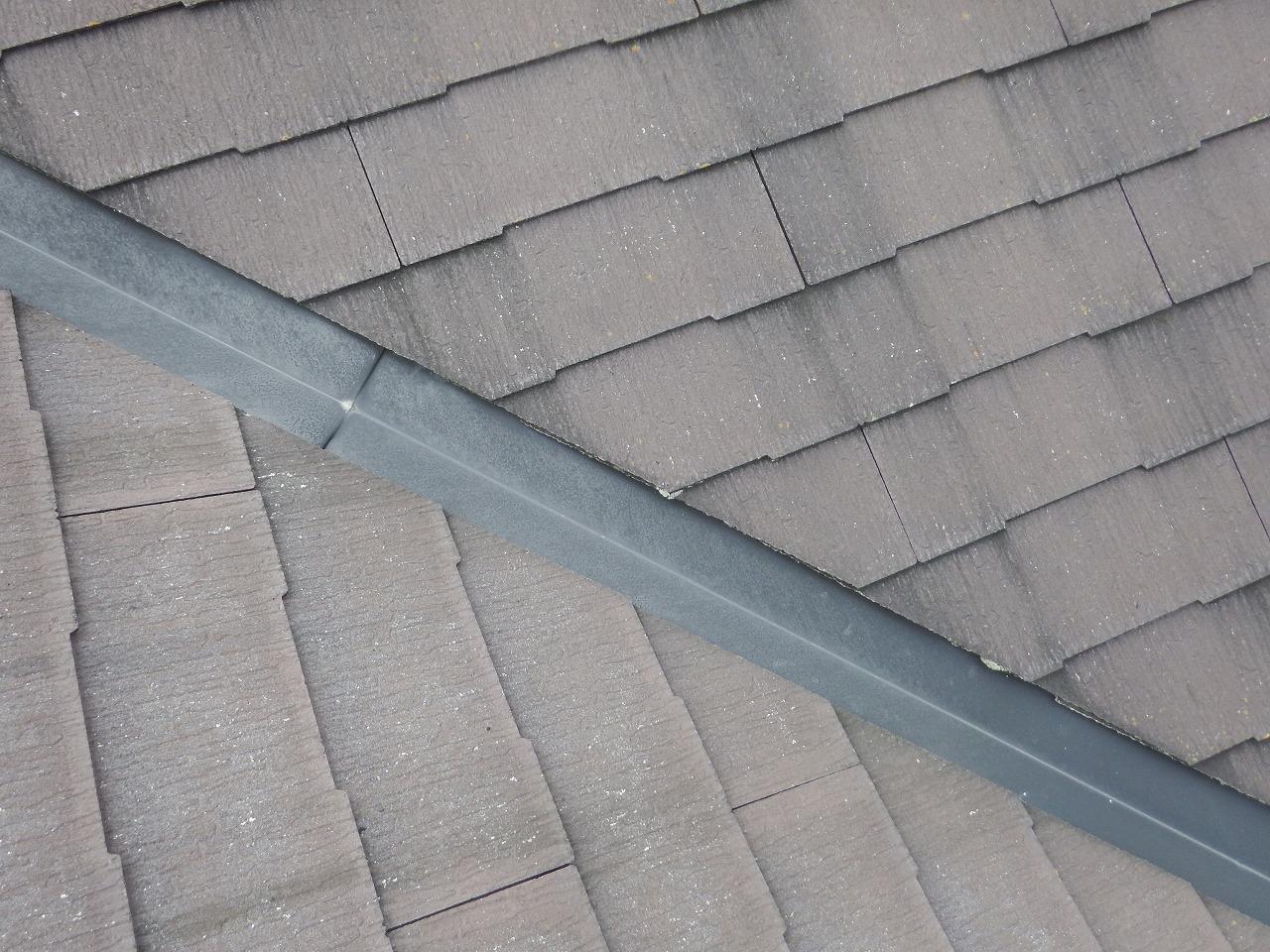 生駒市のスレート屋根の谷板金