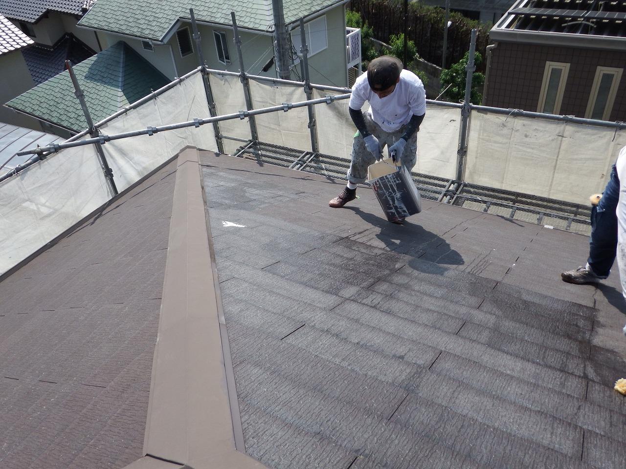 生駒市のスレート屋根塗装、下塗り