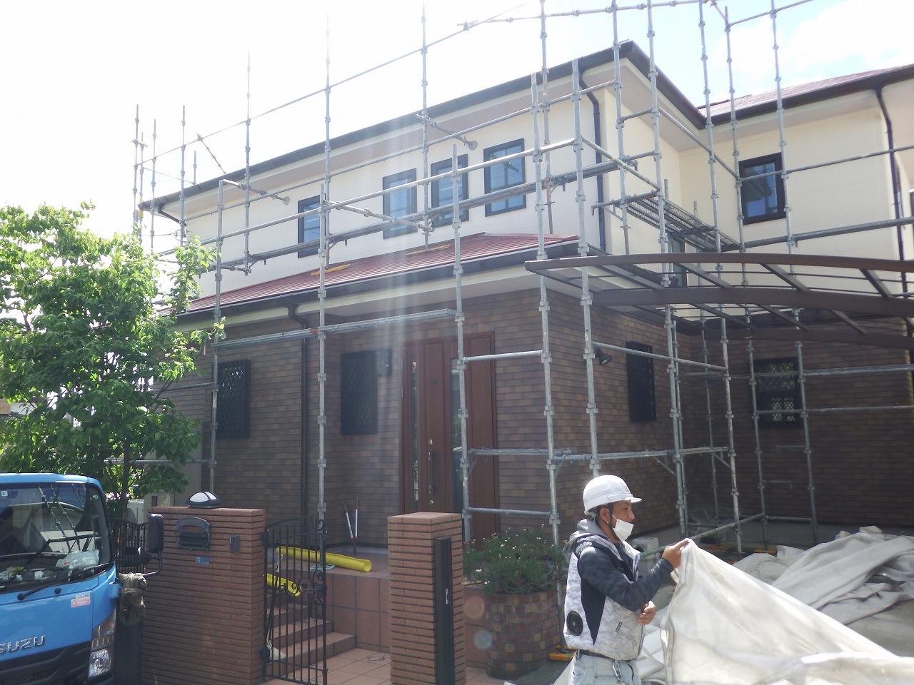 生駒市で足場を解体して屋根と外壁の塗装工事の全工程が完了しました