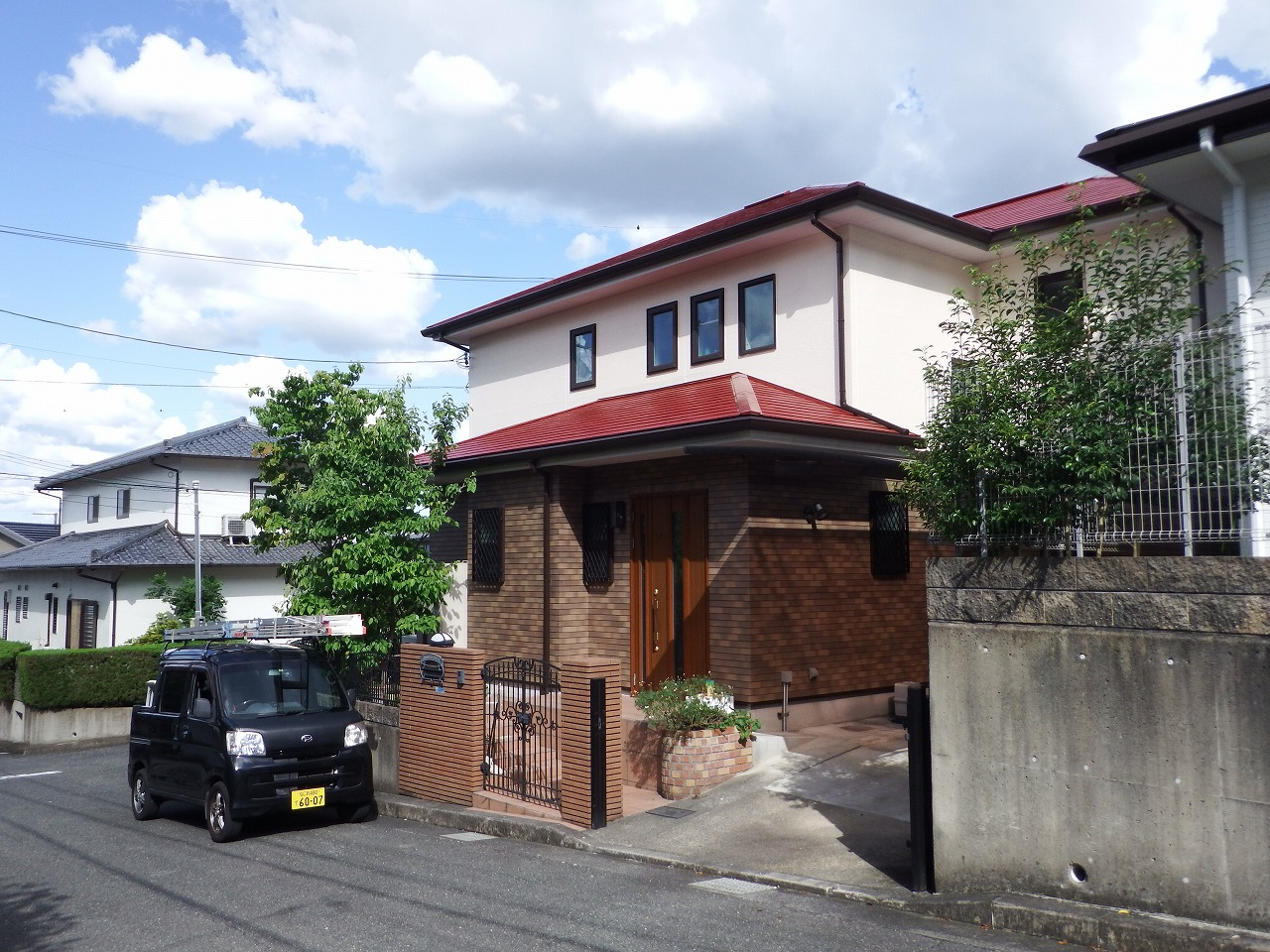 生駒市の屋根と外壁の塗装工事完工写真