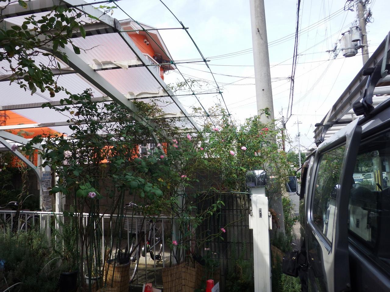 奈良市でカーポートの波板屋根の撤去