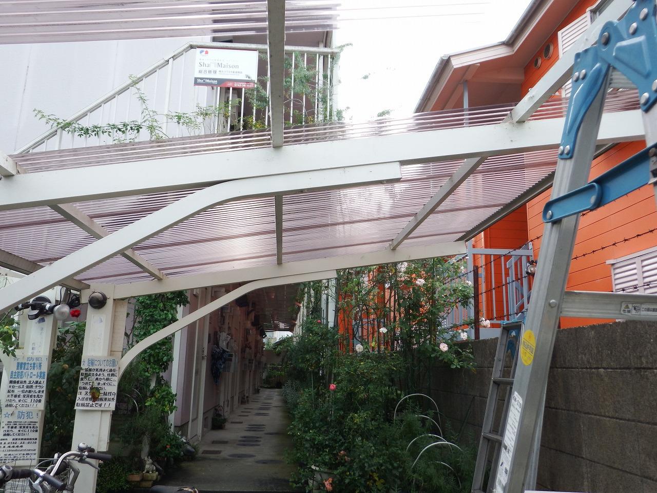 奈良市でカーポートの波板屋根の施工後