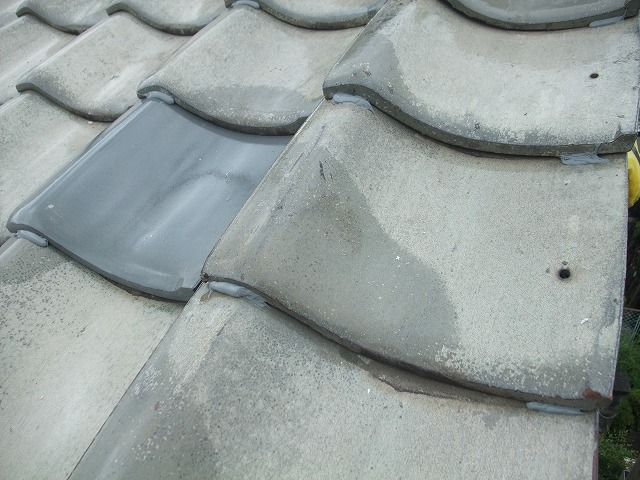 瓦を補修し屋根修繕が完了