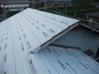 大屋根に防水紙を設置