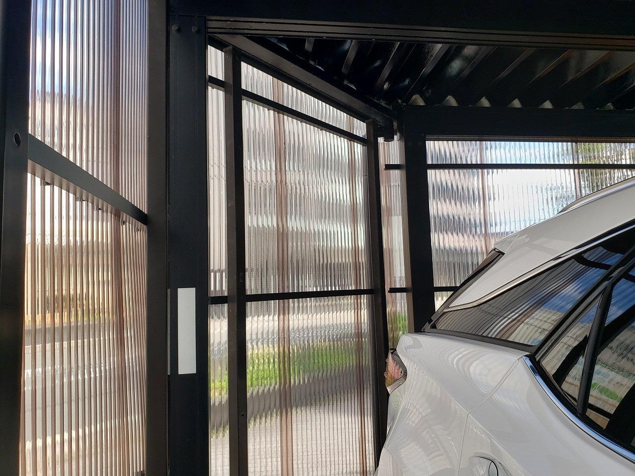 奈良市の波板外壁の車庫、内部から現調