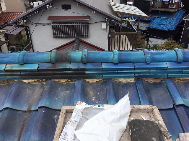 青緑棟瓦の剥がれ漆喰詰め直し