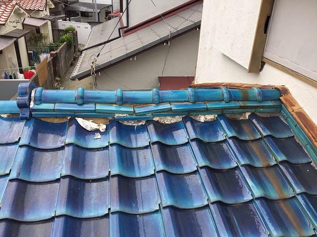 下屋根の棟瓦劣化