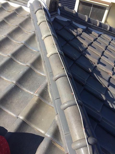 川西町の瓦屋根の棟瓦取り直し工事完成