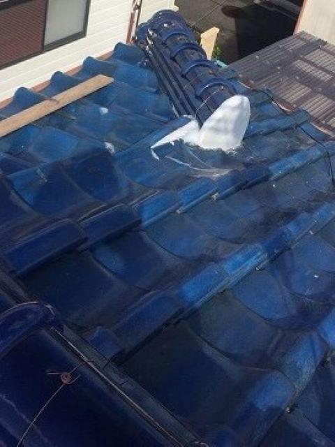 王寺町の釉薬瓦屋根の棟瓦施工後