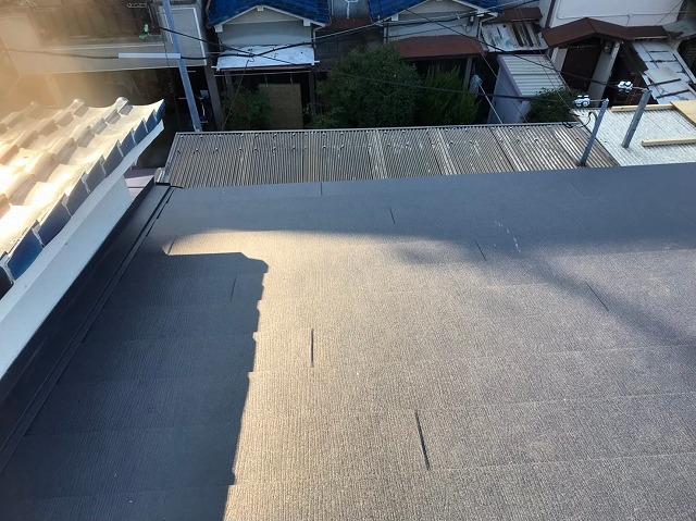 奈良市の長屋の隣の屋根との取り合い
