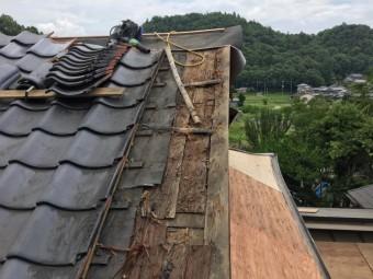 瓦撤去後の屋根の様子