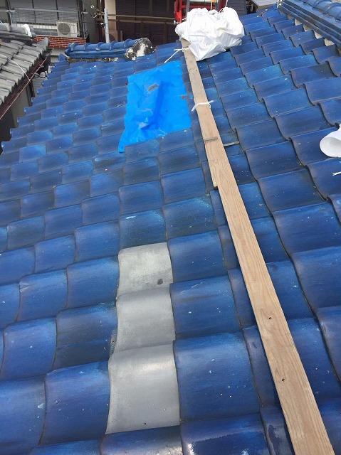 王寺町の釉薬瓦屋根の平瓦