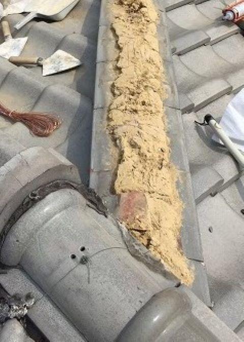 奈良市の瓦屋根の崩れた棟瓦点検