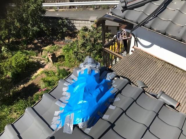 斑鳩町の台風被害の屋根の隅棟