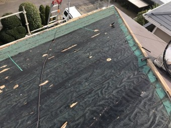 屋根材を剥がしてみたところ