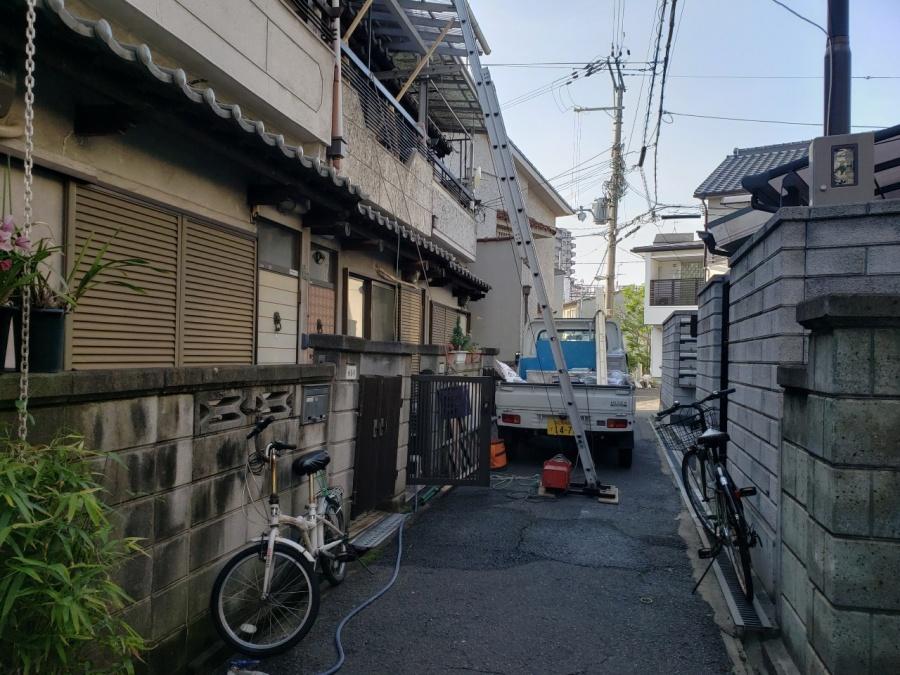大阪市内の漆喰補修工事の後片付け