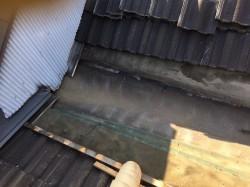 葛城市の谷樋板金からの雨漏り