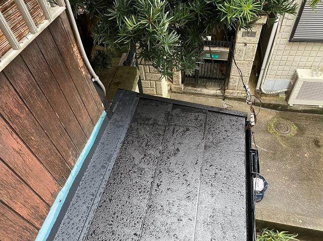 下屋根にガルテクト設置
