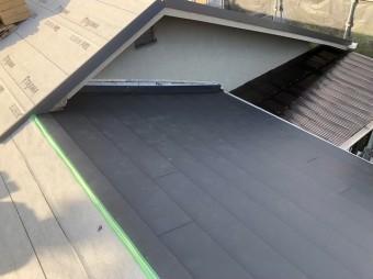 棟違いの部分と防水紙
