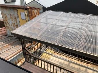 奈良市の雨漏り修理でベランダの波板修理